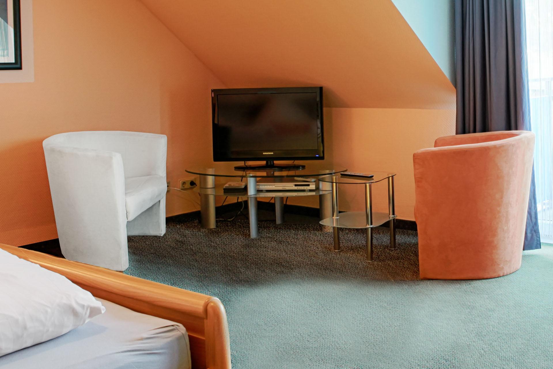 Hotel_Aggertal_Zimmer_Deluxezimmer_Sitzecke